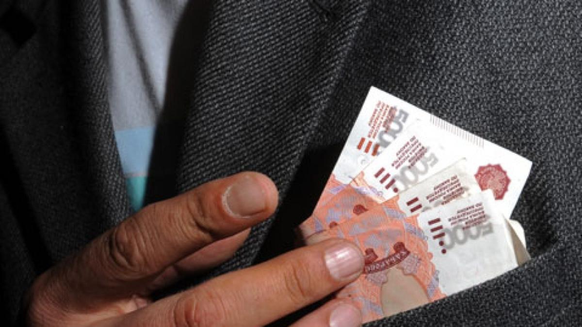 В Ялте на взятке судебному приставу попался должник – Новости Крыма – Вести  Крым