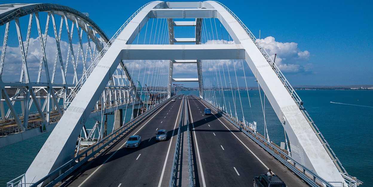 Построили мост по которому никто не ездит? Какая выгода россиянам от крымского