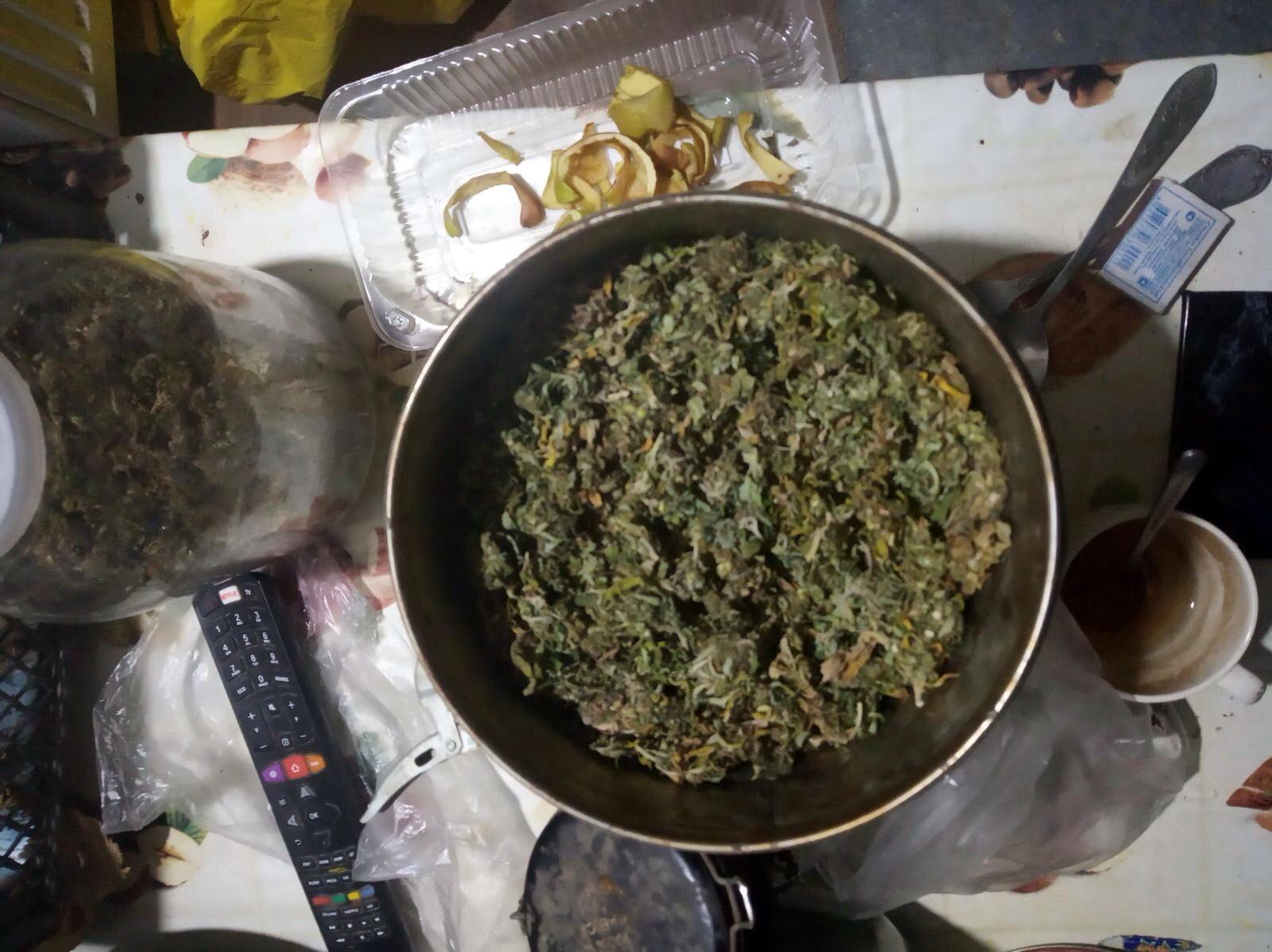 Наказание за хранение марихуаны в украине камаз с коноплей